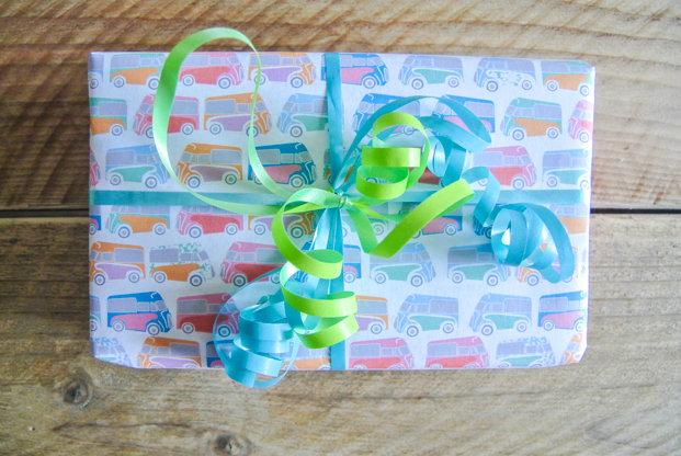 printable-gift-wrap-vans