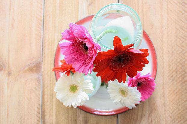 DIY-glass-jars-flowers-top