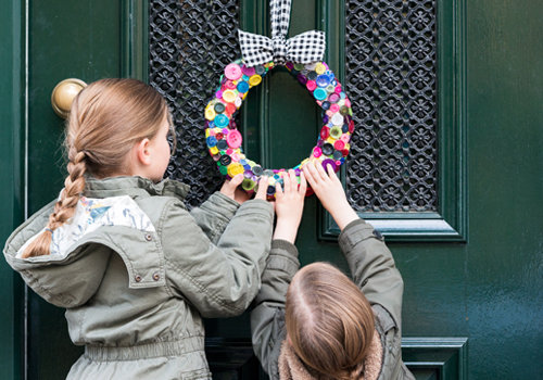 DIY Christmas wreath of buttons