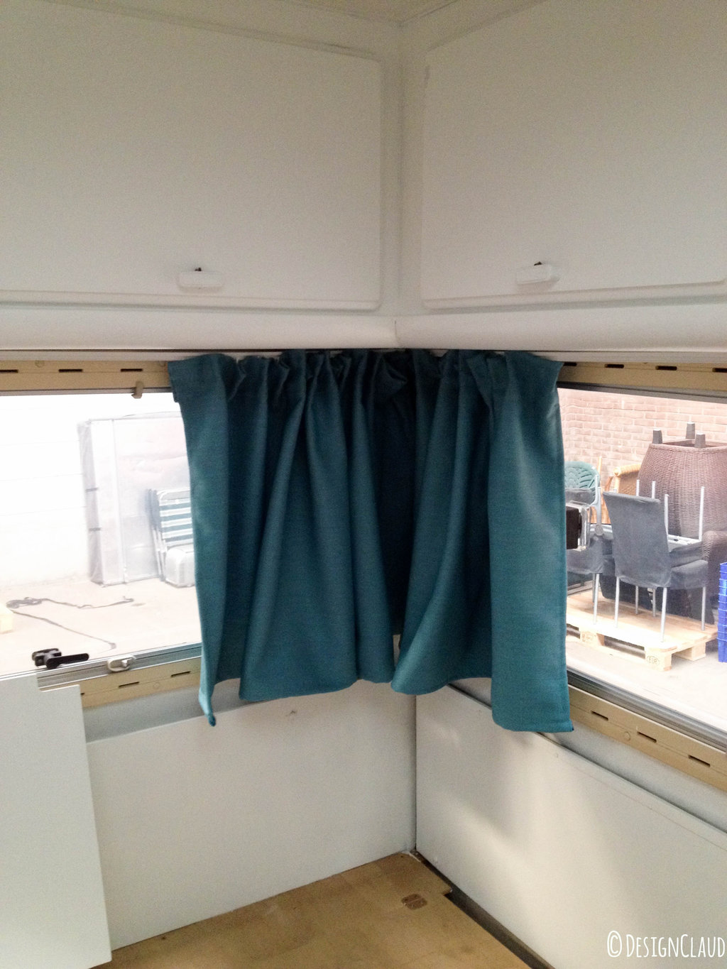 Rv curtains motorhome class a - Camper Window Treatments In The Corner The Curtains Hang Neatly Together Now I Have To